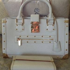 Louis Vuitton purse M91815 LE FABULEUX  BLANC