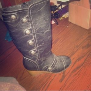 Boots - Cute wedged boots!