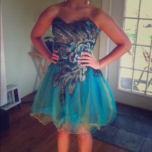 Dresses & Skirts - Peacock theme short prom dress