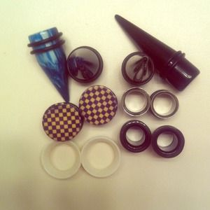 Accessories - REDUCED: Assorted plus, tunnels, and tapers.