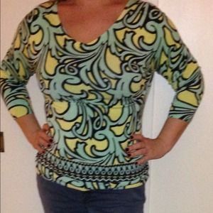 REDUCED Sweater. Trendy and funky!