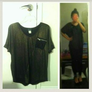 Tops - Metallic top with sequin pocket
