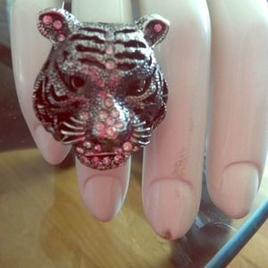 Gunmetal tiger ring w rhinestones!