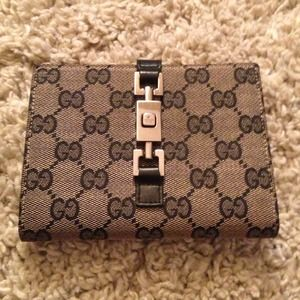 Authentic Gucci Beige/Black GG Fabric Wallet