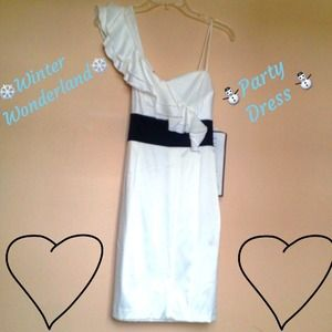 Dresses & Skirts - PRICE IS FIRM! ✨NWT ✨ White & Black Dress