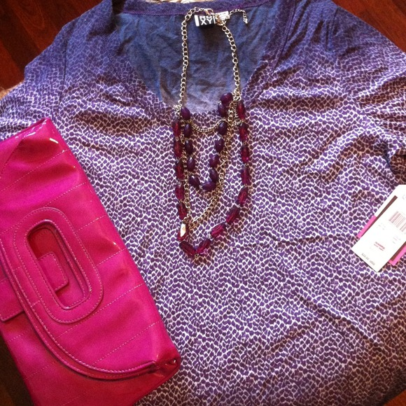 Reserved*****Bundle! Ombré Roxy shirt and clutch