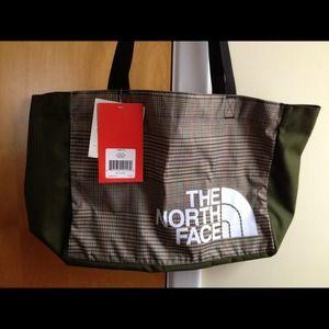 a854b8366 NWT Loop Tote North Face Bag NWT