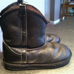 Girls Black Leather UGGS boots sz 2