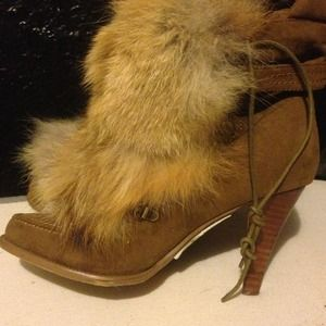 Chinese Laundry Hurry Up Style Suede Fur Boots