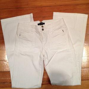 White House Black Market Denim - 💚💚White Jeans Size 0 WHBM