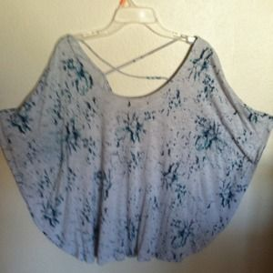 XL winged sleeve jersey top