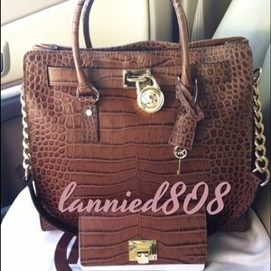 MICHAEL Michael Kors Handbags - ❌❌SOLD❌❌👜Michael Kors Large Hamilton Tote Dark