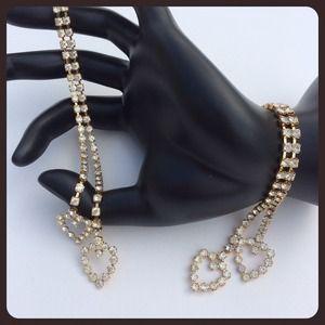 Jewelry - ✨HP💫 Crystal Heart Earrings
