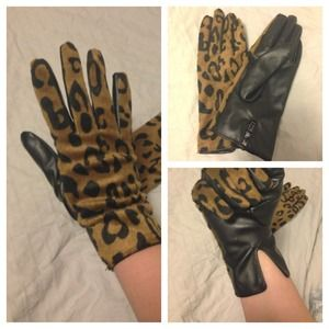 H&M Accessories - Faux Leopard & Leather Gloves. Fits M-L hand size.