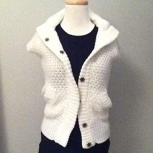 Zara Nwt Zara Knit Cape Coat With Sleeves In Ecru From