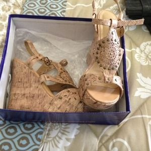 Shoes - NWT never worn cute wedges