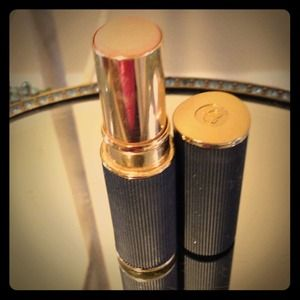 Cle de Peau Beaute Other - ⬇REDUCED CLE DE PEAU CONCEALER STICK IN BEIGE💖