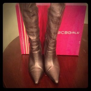 BCBG BOOTS SIZE 7.5