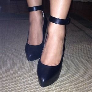 Zara Shoes - Zara wedge!!