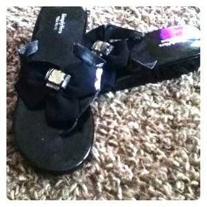 Black, Vera Wang sandals