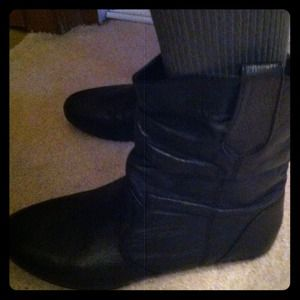 Steve Madden booties never worn!