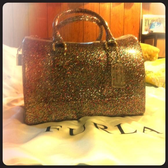how to read furla serial number