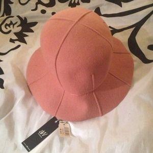✨Reduced 👀 ✨ Italian Hat