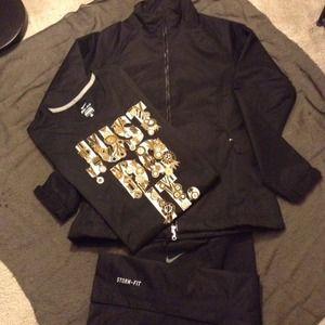 NIKE 2pc Set w/ T-Shirt