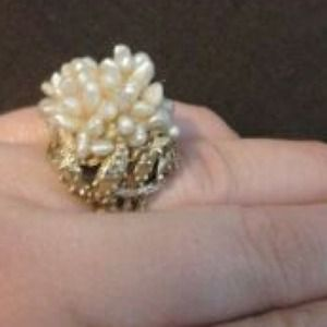 Jewelry - Vintage cluster ring