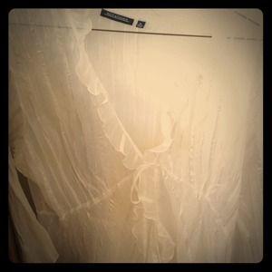 Tops - White ruffled blouse
