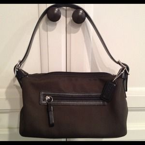 Authentic Coach Small Shoulder Bag Like New