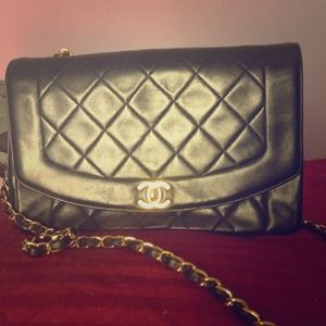 Authentic Chanel Vintage lambskin purse