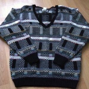 Sweaters - Vintage vneck sweater