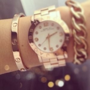  Looking for Cartier love bracelets