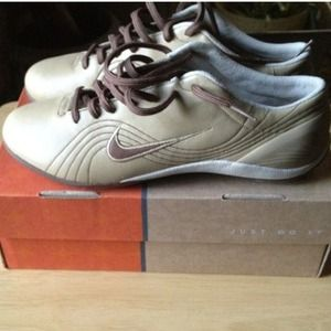 Brown & taupe sneakers