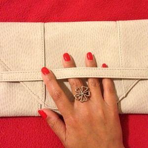 Jessica Elliot Jewelry - Last Chance ❗️Jessica Elliot Cutout Flower Ring