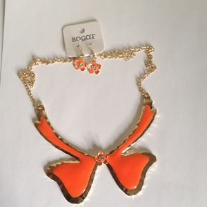 Jewelry - NWT necklace+earrings set. Gold and Orange enamel