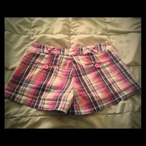 Plaided pink shorts
