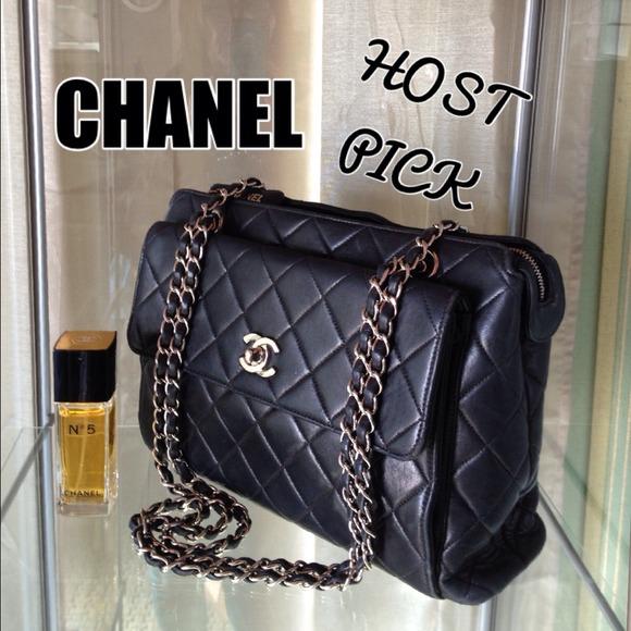 c68d7907492 CHANEL Handbags - 💕2x HOST PICK💕 Authentic CHANEL shoulder bag💕