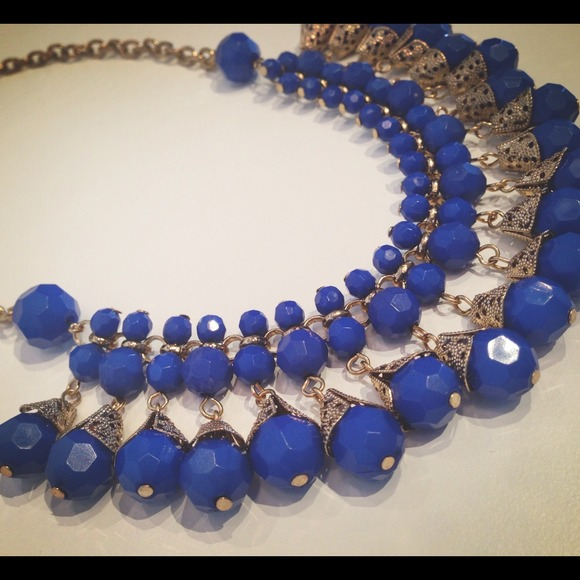 Jewelry - ❤Sold in bundle'❤Cobalt Blue Statement Necklace