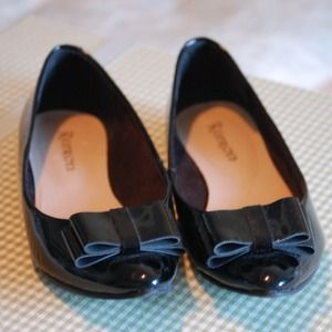 HP! Restricted Brand Black Patent Bow Flats NWOT