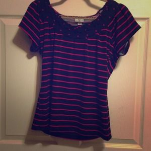 SOLD----$5- Pretty striped top