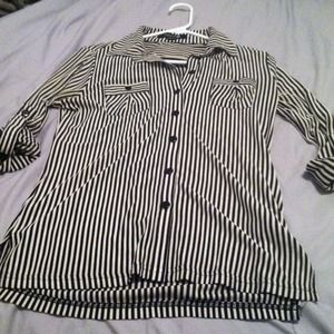 Forever 21 Tops - Bundled! Stretchy, preppy style striped button up.