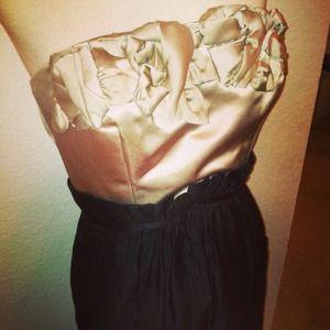 *BCBG* Sz 6 S/M strapless dress taupe black