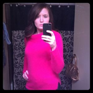 Gorgeous lambswool pink sweater