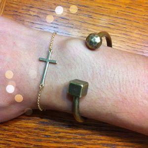 Dainty Gold Tone Sideway Cross Bracelet