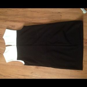 Forever 21 Dresses & Skirts - Black & White Color-Block Shift Dress