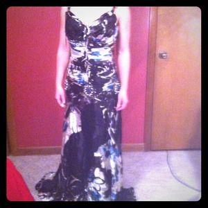 Roberto Makali Dresses & Skirts - Evening gown