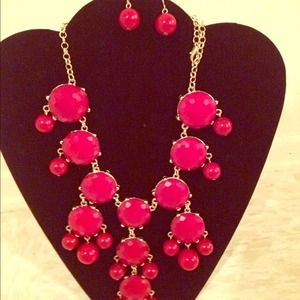 Jewelry - NEW!! Bubbles necklace with earrings