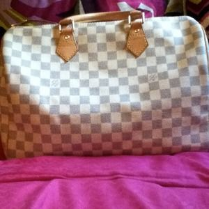 RESERVED Louis vuitton speedy 35